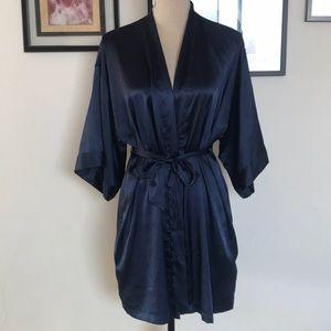 Victoria secret satin robe XS / S